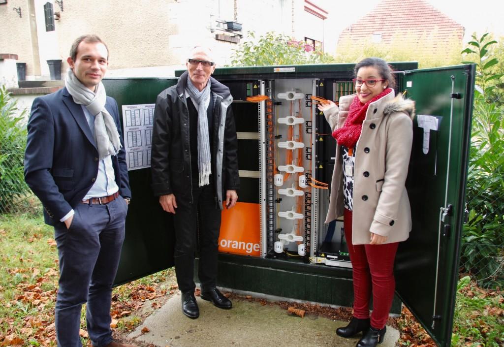 Vingt-trois armoires (photo) hébergent la fibre optique à Vernon. 800 foyers peuvent déjà bénéficier de la fibre optique.