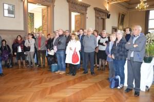 La mairie organise régulièrement des réunions thématiques auprès des associations caritatives.
