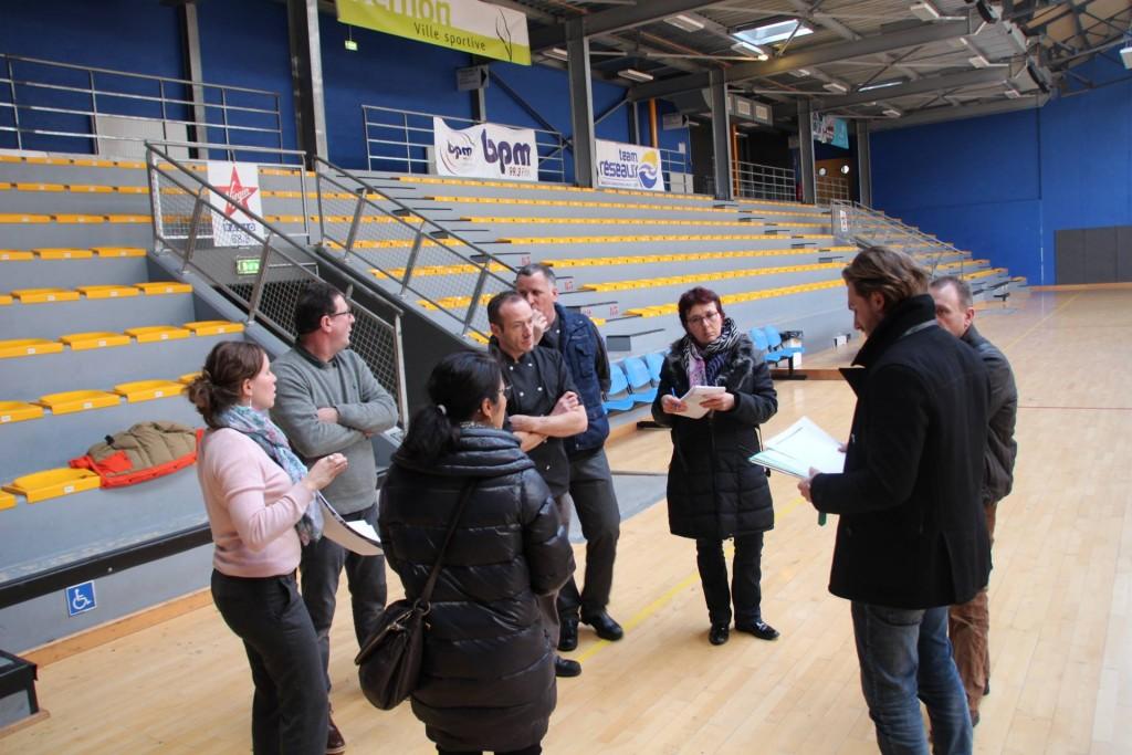 Les artisans et les équipes se sont réunis au gymnase du Grévarin (Vernon) pour préparer la cérémonie des vœux. Ils ont parlé logistique et organisation pour le jour J. Quant au menu... c'est une surprise !
