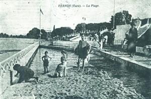 En 1932, certains membres de l'Avenir de Vernon ont pris des leçons de natation dans la Seine.