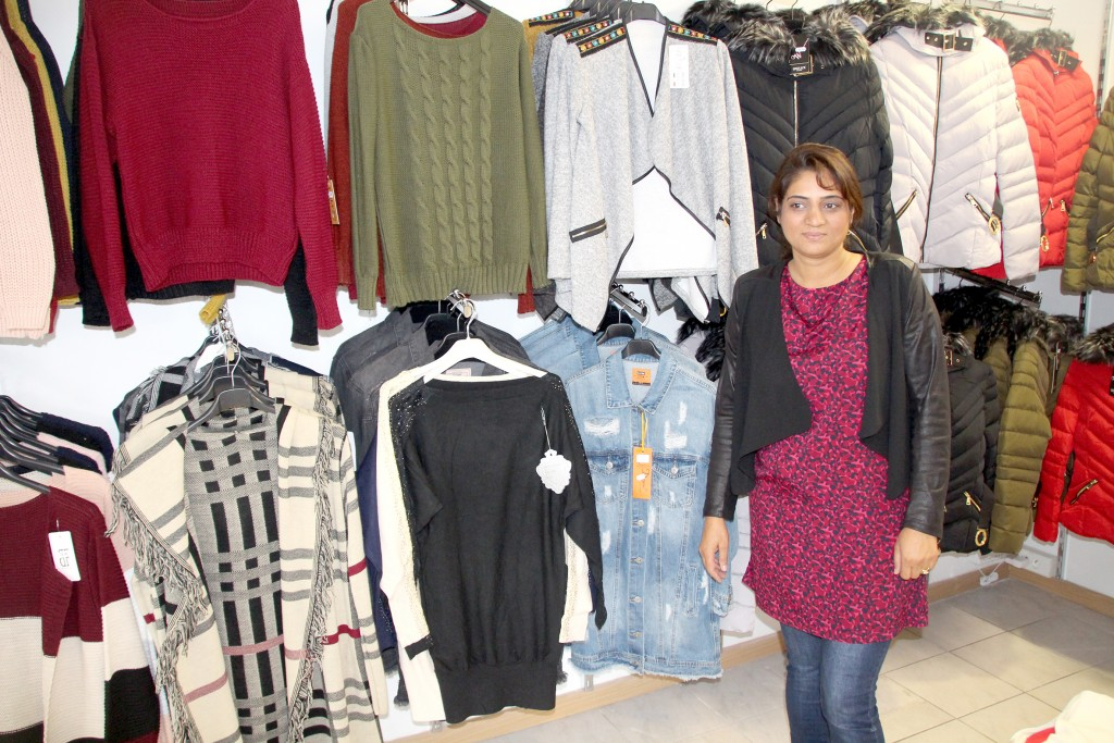 Melh est une boutique de prêt-à-porter féminin, située en centre-ville.