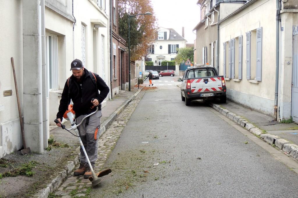 Modernisation des équipements, acquisition de balayeuses, création du service « allo propreté » et sanction des pollueurs par la police municipale, les opérations coup de poing reprennent.
