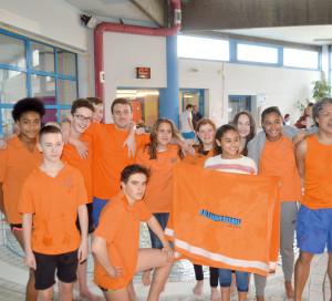 Le LLO Vernon/Saint-Marcel est un club de natation sportive. Il accueille les adhérents, enfants et adultes, à condition qu'ils soient capables de nager sur une distance minimale de 25 mètres.