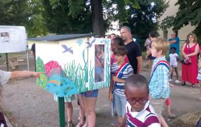La boîte à livres de l'école élémentaire Château Saint Lazare vient d'être inaugurée! Un projet piloté et réalisé par les jeunes du conseil municipal avec le soutien de la clinique des Portes de l'Eure. L'équipe achève ainsi son mandat en montrant à ses successeurs l'exemple à suivre !