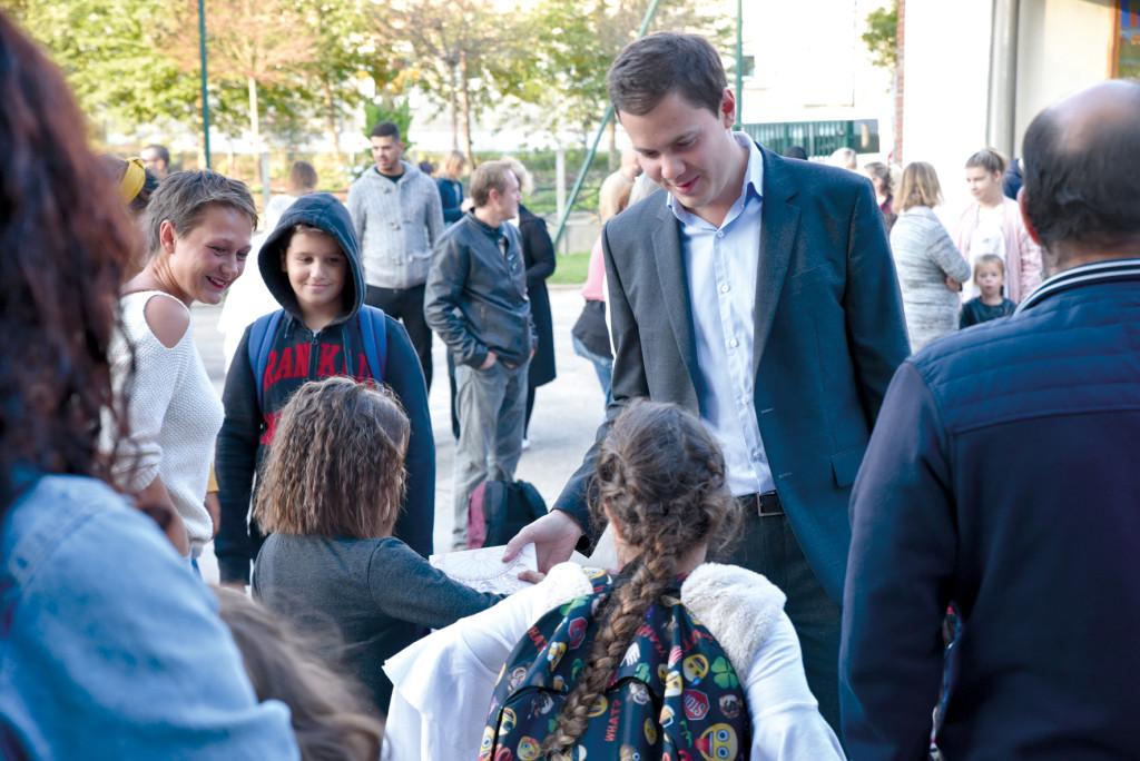 Le maire a souhaité bonne chance aux écoliers qui bénéficient grâce aux travaux d'un environnement plus favorable.