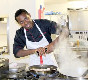 A L'Estampille, Wilfried Abomo Olinga souhaite allier les saveurs du monde à la gastronomie traditionnelle de la maison Erisay.