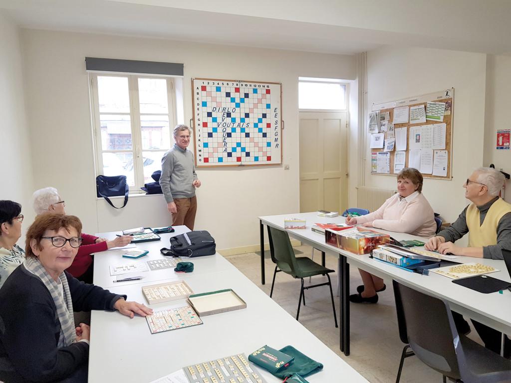 Créé il y a 30 ans, le club vernonnais perpétue l'amour du vocabulaire. Cette année, Daniel Charreire, et Raphaël Delhome représenteront l'association aux championnats nationaux.