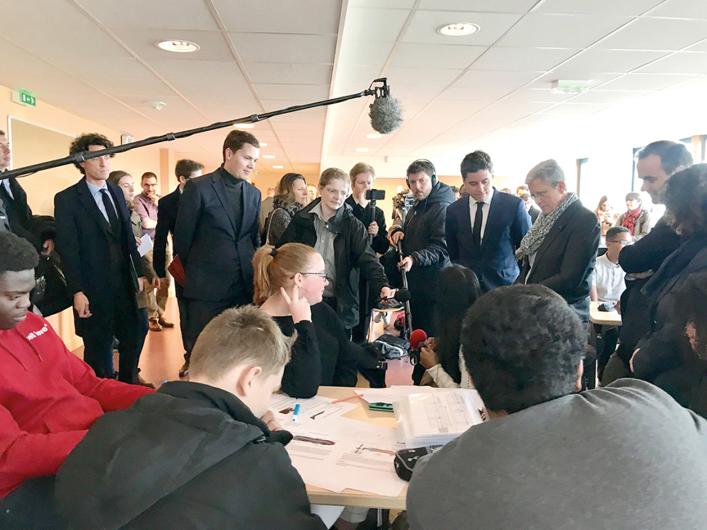 Service national universel Les ministres en ambassadeurs à Cervantès