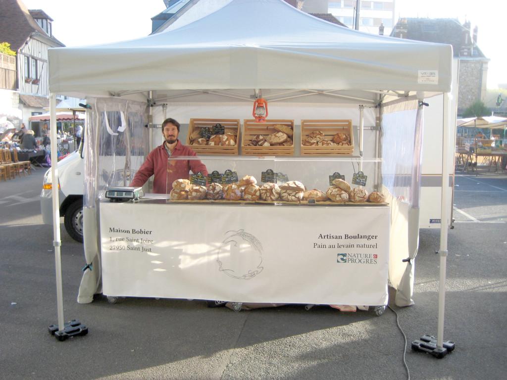 Au-delà du marché, la vente a lieu les mardis et vendredis soirs au fournil, 1 rue Saint-Joire, Saint-Just.
