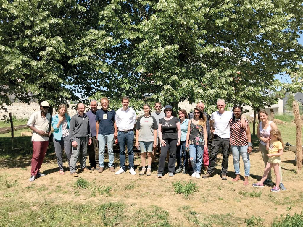 Chaque dimanche, des bénévoles se mobilisent pour faire renaître le jardin de La Manufacture, rejoignez-les (pas d'inscription nécessaire) !