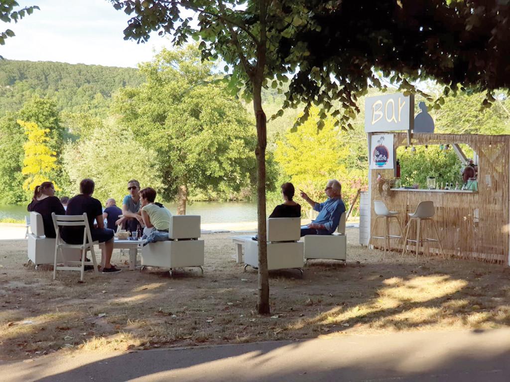 Avec Destination Vernon, le programme d'événements estivaux, la ville prend des allures de station balnéaire. Et ça commence fort avec un concours de barbecue ! Avant de se poursuivre pendant les mois de juillet et août par du cinéma en plein air, du sport et des activités culturelles en bord de Seine.