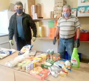 Des bénévoles toujours sur le pont malgré l'épidémie ! (photo : Solidarité Partage)