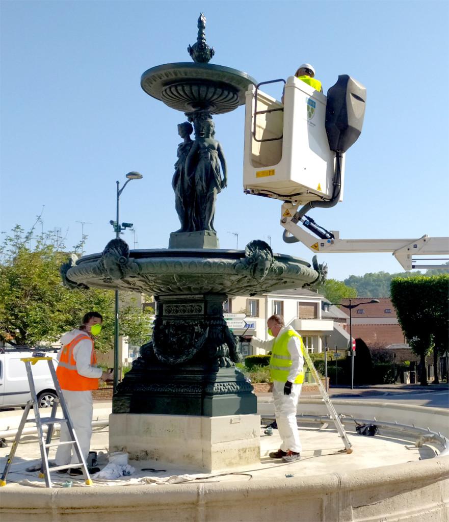Actuellement repeintes et nettoyées par les services de la mairie, les fontaines seront prêtes pour le 11 mai.