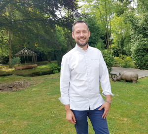 Participation à Top Chef, acquisition du Jardin des Plumes et mobilisation auprès des soignants, 2020 est l'année de tous les challenges pour le chef givernois David Gallienne.