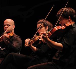 Jusqu'au 30 août, une vingtaine de jeunes virtuoses du classique, venus du monde entier, se retrouvent autour du violoncelliste Michel Strauss. Cette année, Beethoven est au cœur du programme de ce festival, organisé en partenariat avec la mairie de Vernon. Les concerts ont lieu au Musée des Impressionnismes Giverny (29, 30 août), à Vernon (le 26 août à la mairie, le 29 août à l'espace Ph.-Auguste), et à l'église de Notre-Dame-de-l'Isle (27, 28 août). Informations : musiqueagiverny.fr ou 09 72 23 33 52.