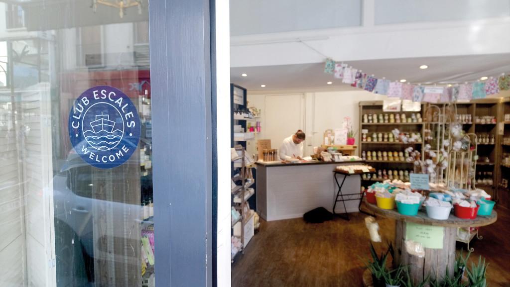 Une dizaine de commerces arborent déjà fièrement le pavillon du Club Escales.