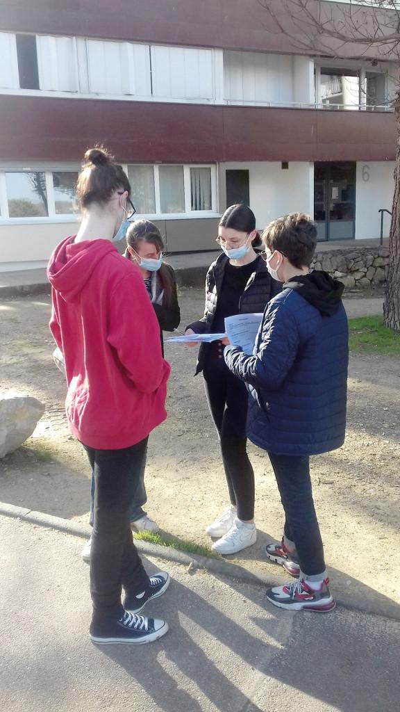Chantier Jeunes SNA Centres Sociaux Service Déchets Tri Sélectif Recyclage QPV Valmeux Boutardes