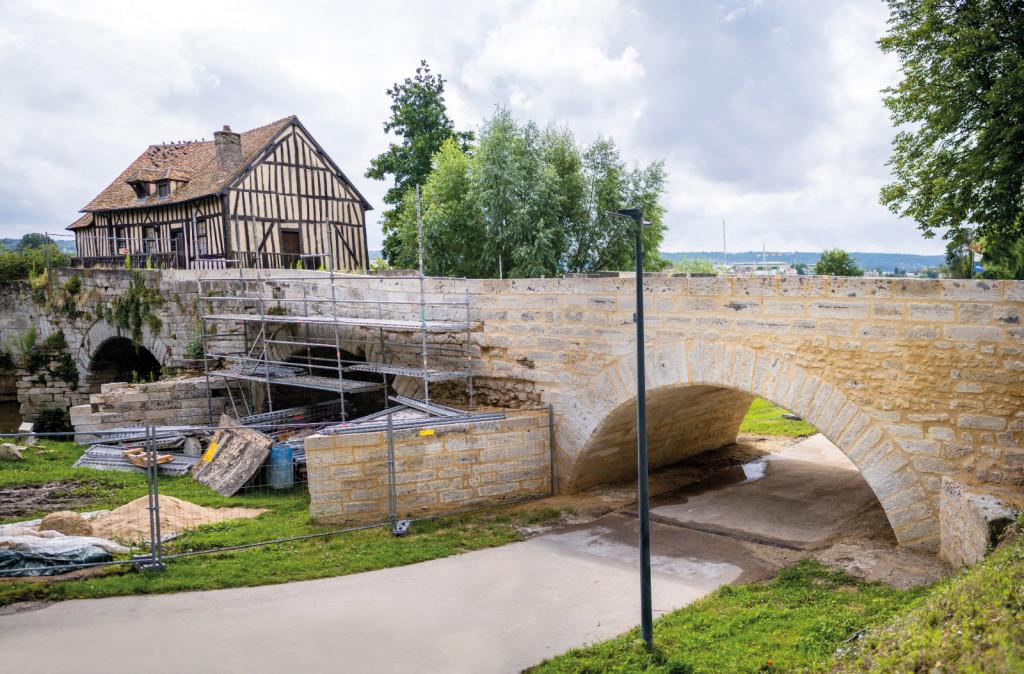 Travaux Vieux-Pont Arche n°1 Vernonnet Patrimoine Seine à Vélo Tourelles