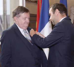 Jean-Lux Miraux ancien sénateur-maire vernon reçoit Palmes Académiques