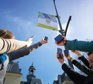 La ville a mis en place plusieurs accès Wi-Fi gratuits : aux alentours de l'hôtel de ville, à l'Office de tourisme, sur les berges de Seine. Le parcours de la Seine à vélo sera lui aussi connecté.