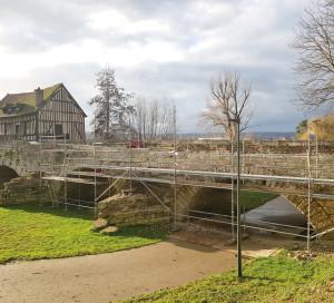 Culture Restauration Vieux Pont Médiéval Vernonnet Moulin Tourelles Seine à Vélo