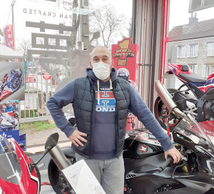 Photo droite En Ville Motos Quentin