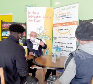 Associations Point Information Jeunesse Jeunesse et Vie Orientation Avenir